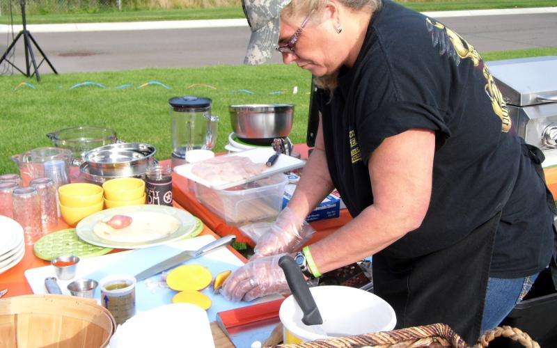 Chef Doreen Ackerson gets started on her dish.