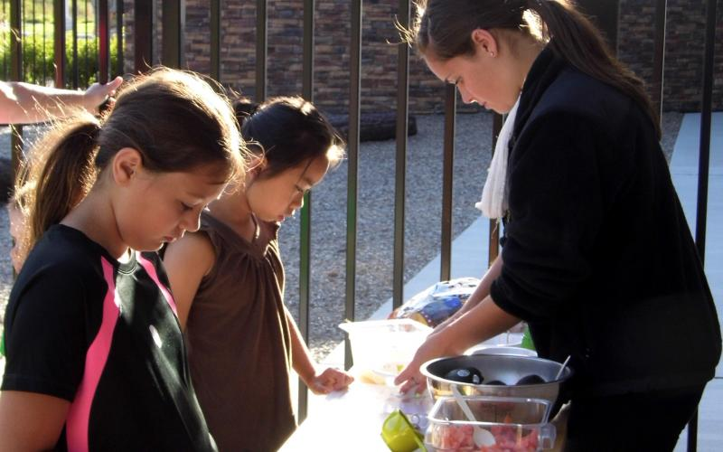 Kids were welcome to make their own dishes at the children's activity area.